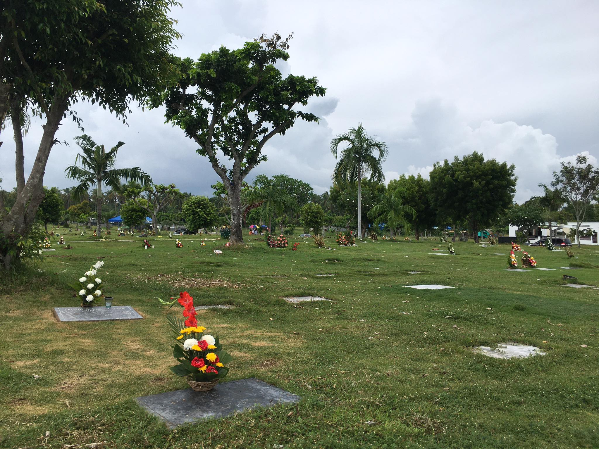 Gov to confer with mayors on closing of cemeteries for Nov 1, 2